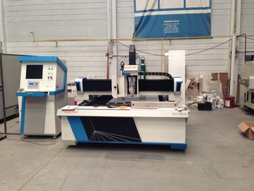 China Metal sheet processing fiber CNC Laser Cutting Equipment 800W with dual drive factory